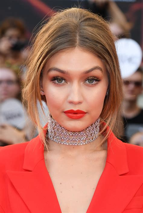 Gigi Hadid's Entire Makeup Look Is From The Drugstore