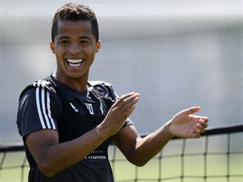 Giovani dos Santos set to join Liga MX giants after ...