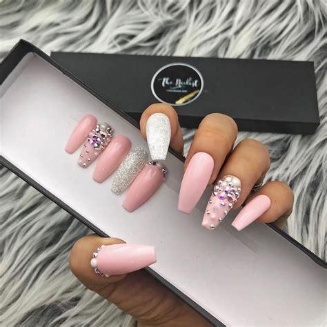 Glossy pinklady pearl set   Uñas de gel, Uñas para novia ...