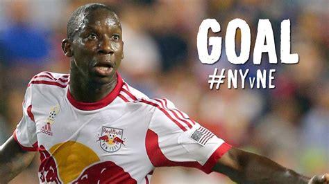 GOAL: Bradley Wright Phillips heads it home   New York Red ...