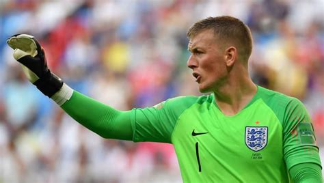 Golden Gloves: The 8 Best Goalkeepers of the 2018 FIFA ...
