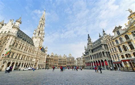 grand place brussels | Tourist attraction, Brussel, Tourist