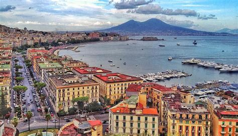 Great Runs in Naples, Italy – Great Runs – Medium