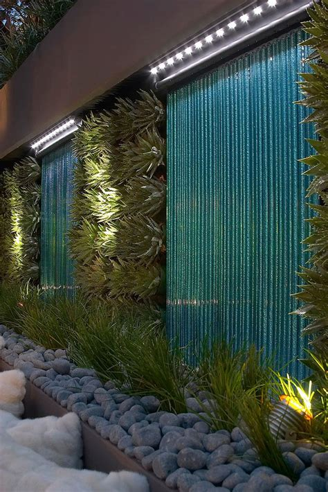 Green wall  vertical planting. Or use on garage wall with ...