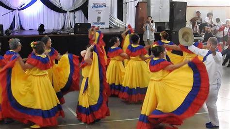 Grupo de danzas Las Palmas  Comuna 10    Fiesta ...
