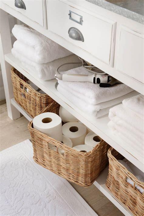 Guarda decorando | Muebles de baño, Guardas para baños ...