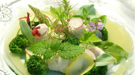 Guía práctica para cocinar con hierbas aromáticas frescas