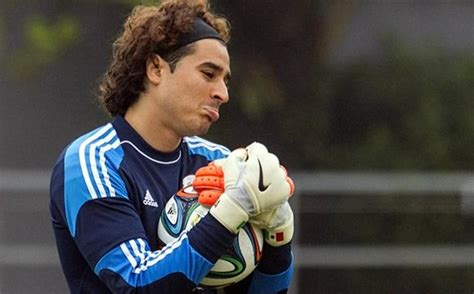 Guillermo Ochoa Height, Weight, Age, Net Worth, Wife, Facts