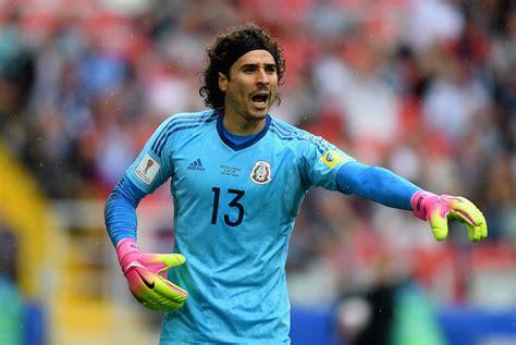 Guillermo Ochoa, nuevo jugador del Standard Lieja