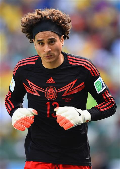 Guillermo Ochoa Pictures   Netherlands v Mexico: Round of ...