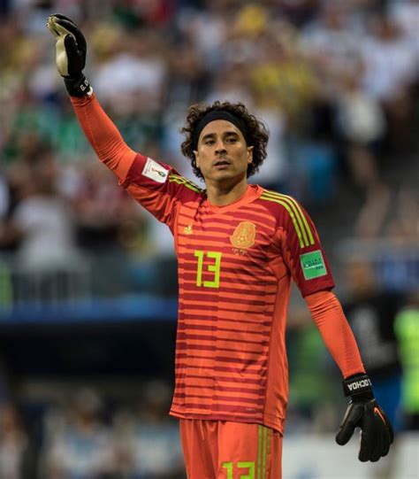 Guillermo Ochoa Silver Glove Award At The World Cup Is ...