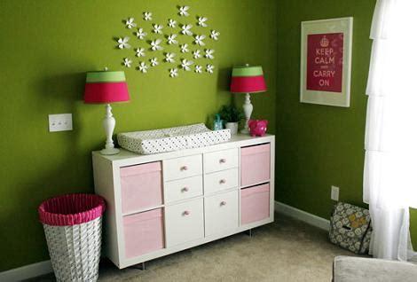 Habitación del bebé en verde
