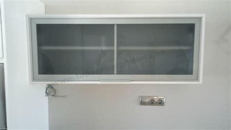 Hacer una puerta vitrina para armarios de cocina.   YouTube