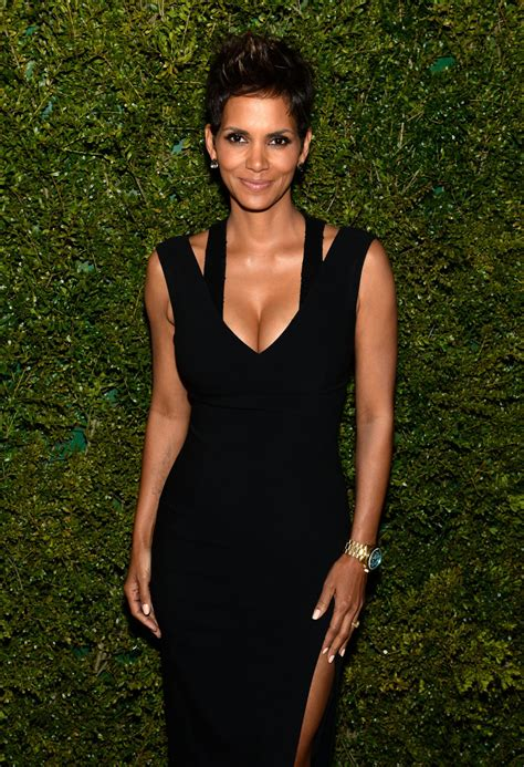 Halle Berry Joins Instagram With the Most Seductive Photo ...