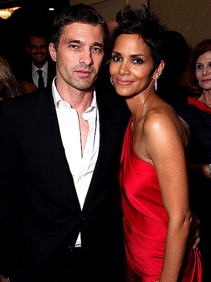 Halle Berry  Not Dating  as Oliver Martinez Tries to Move ...