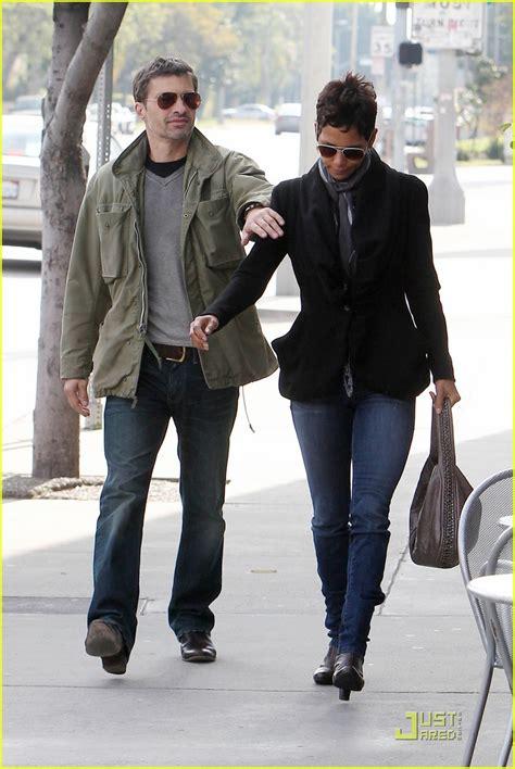 Halle Berry & Olivier Martinez: Sunday Brunch!: Photo ...