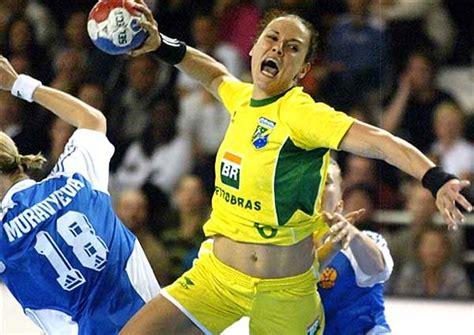 Handebol Rio de Janeiro: Brasil e Suécia empatam na Praia ...