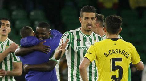 Hasta nueve apercibidos en el duelo entre el Valencia y el ...