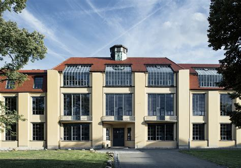 Hauptgebäude der Bauhaus Universität   Urlaub, Reisen und ...