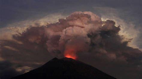 Hay 40 volcanes en erupción ahora mismo pero esto no ...