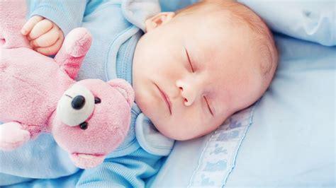 Haz que tu bebé duerma como un angelito con este video ...