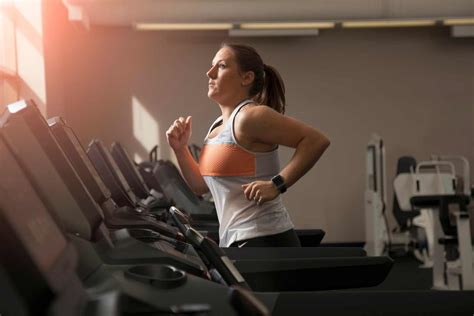 Health benefits of treadmill exercise   advantages and ...