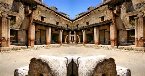 Herculaneum: Guided Visit to the Archaeological Site ...