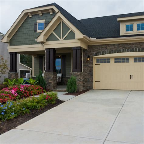 Here are the 19 Most Popular Exterior Colors | Family ...