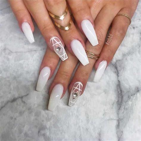Hermosas Diseños de Uñas en Blanco que te Encantarán ...