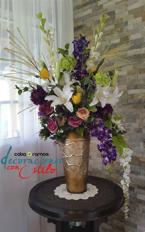 Hermoso arreglo con flores artificiales | Arreglos ...