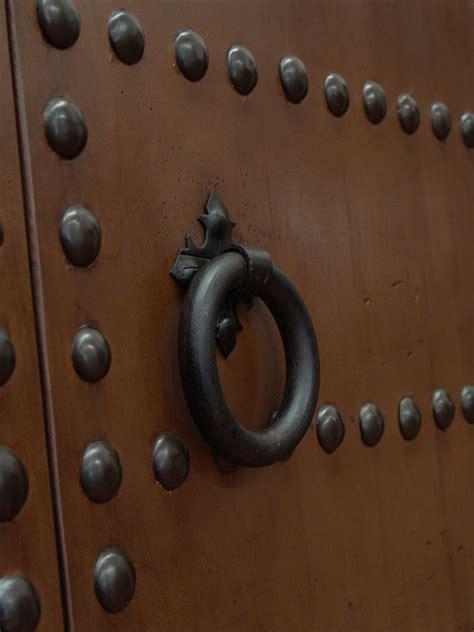 Herrajes de forja para muebles, puertas y estructuras   CONELY