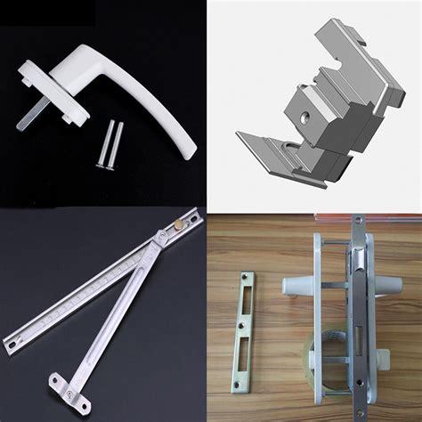 Herrajes para puertas correderas y abatibles de PVC para ...