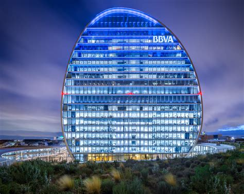 Herzog & de Meuron's BBVA Headquarters in Madrid Through ...
