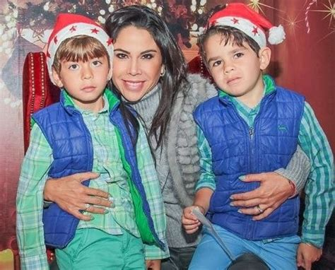 Hijos de Paola Rojas vivieron AISLADOS tras el video ...