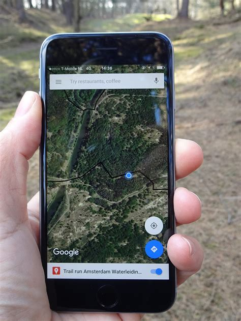 Hiking or trail running with Google Maps on your phone