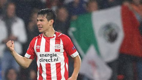 Hirving Lozano better off at PSV than Barcelona   for now ...