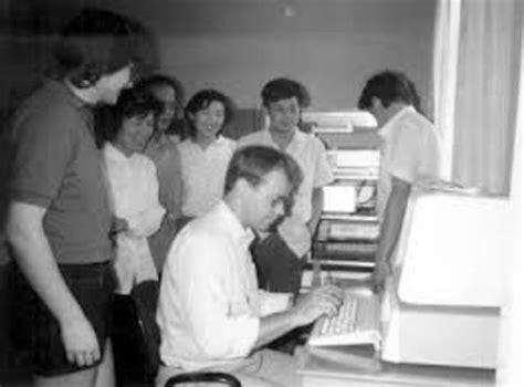 Historia del correo electronico timeline   Timetoast timelines