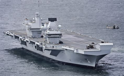 HMS QUEEN ELIZABETH SET TO ENTER THE SOLENT IN LESS THAN 2 ...