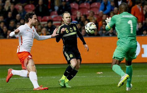 Holanda resucita ante una selección española vulnerable ...
