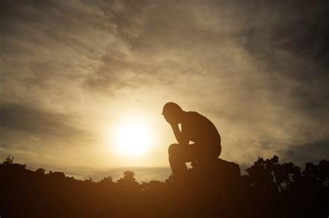 Hombre deprimido tristeza la desesperación de estar | Foto ...