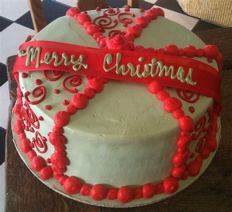 Homemade christmas cake decor ideas.PNG