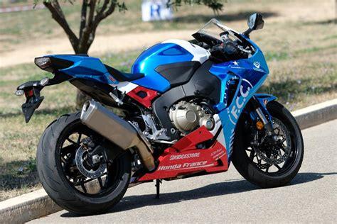 Honda Moto France on Twitter:  Ce weekend, l'équipe F.C.C ...