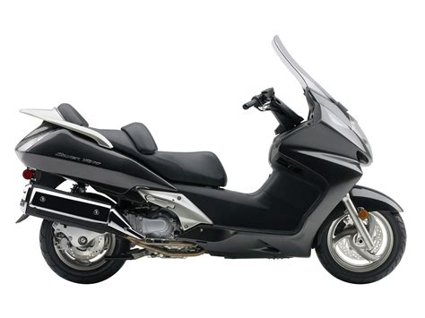 HONDA Scooter Pictures. 2008 Silver Wing.