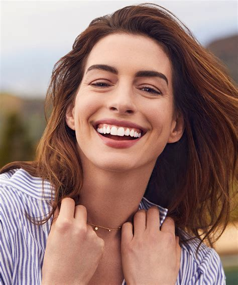 How Anne Hathaway Learned to  Build in Breaks  as a ...