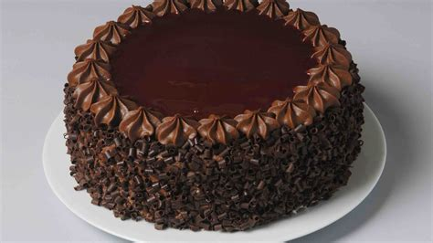 How To Decorate Chocolate Cake? | Easy Cake Decoration ...