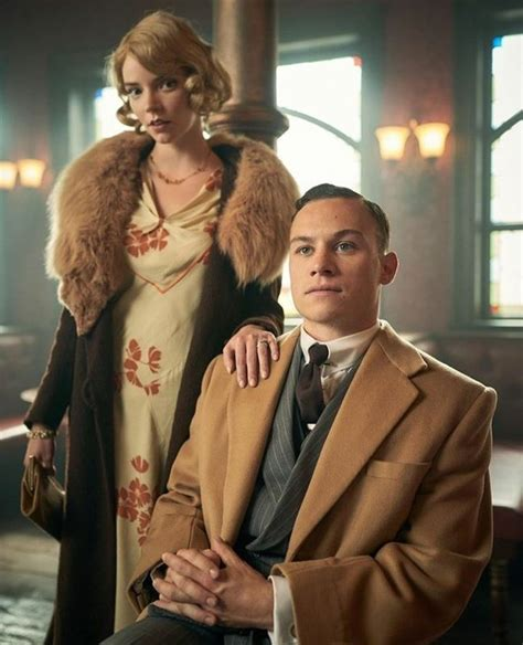 How to Dress Like Michael Gray from Peaky Blinders ...