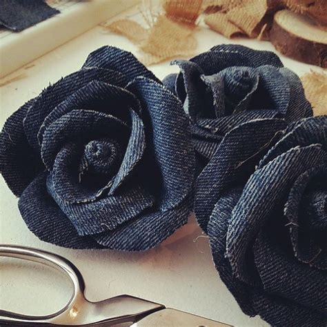 How To Make A Denim Jeans Rag Wreath With Flowers   Hometalk