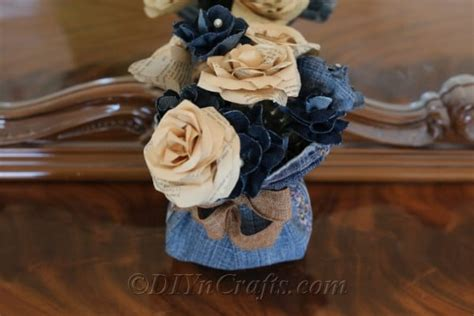 How to Make Beautiful Flowers Out of Old Jeans   DIY & Crafts