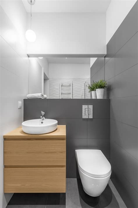 How to Make Your Small Bathroom Look Larger and Lighter