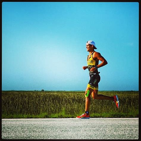 How to Treat and Prevent Runner s Knee — RUNNER S ...